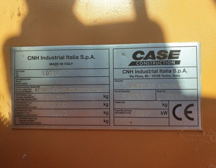 CASE 1021F