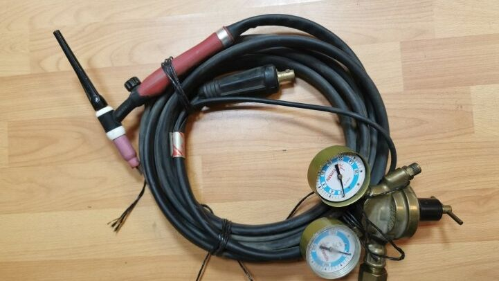 - TIG WELDING HEAD AND MANOMETER